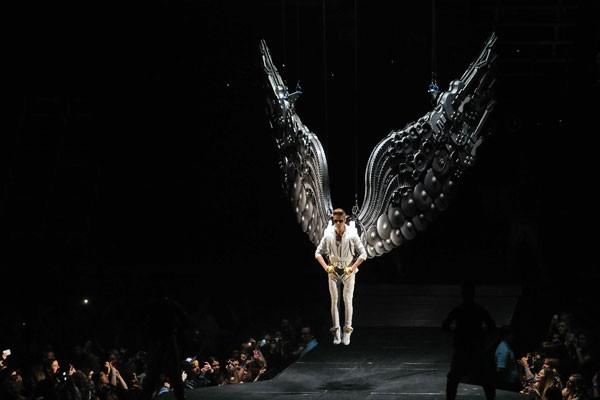 justin-bieber-angel.jpg